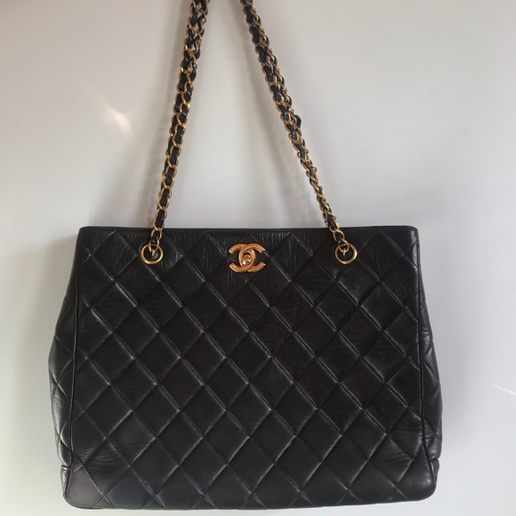 c0168be67f22 CHANEL Handbags - Authentic CHANEL QUILTED double strap lambskin
